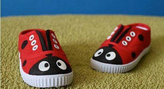 Ideias criativas pintar sapatos criança 7