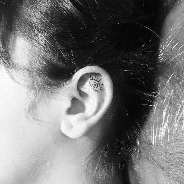 Ideias tatuagem orelha 113