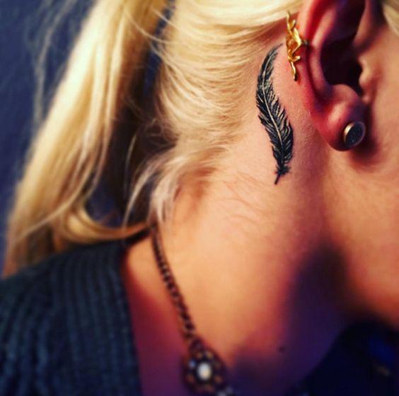 Ideias tatuagem orelha 9