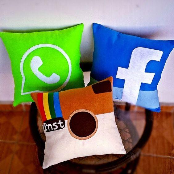 almofadas divertidas feltro redes sociais