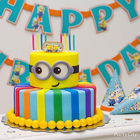 bolo festa minion decorado