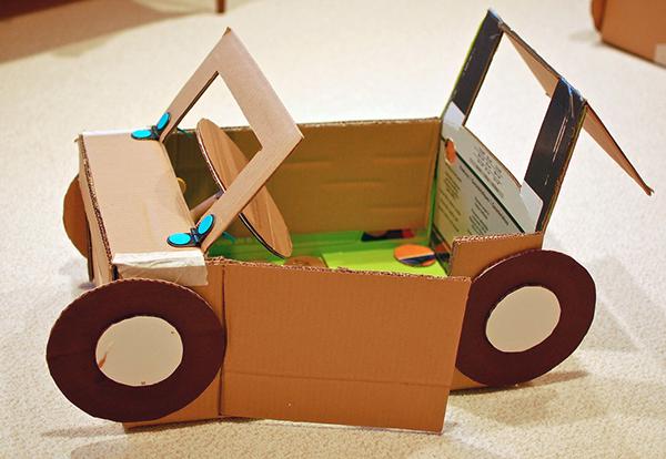 brinquedos feitos de cartao
