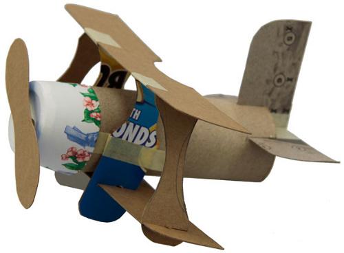 brinquedos rolos de papel aviao