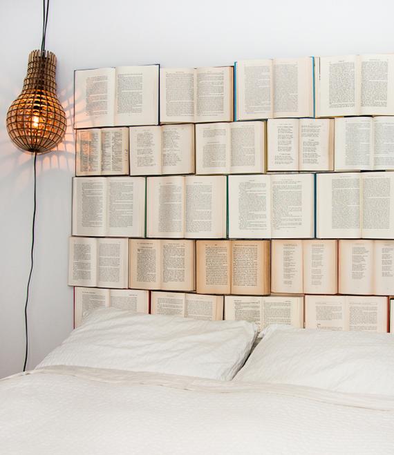 cabeceira de cama livros