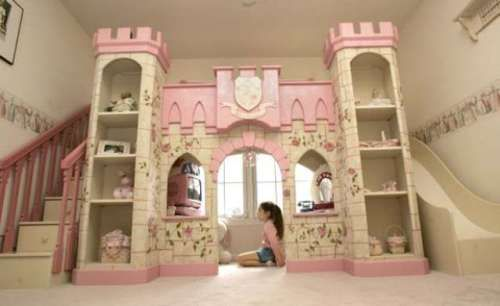 cama de menina forma castelo