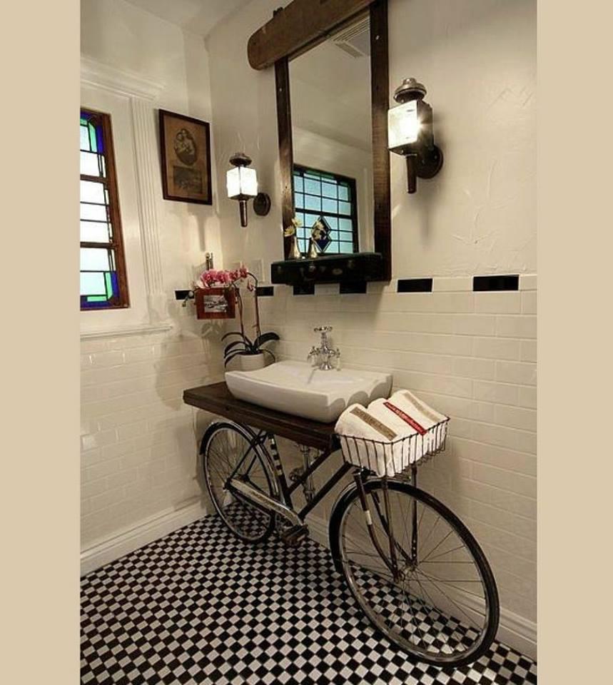 casa de banho decorada bicicleta