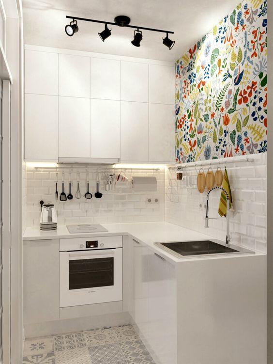 cozinha pequena decorada colorida
