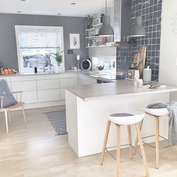 cozinha pequena decorada prateleira