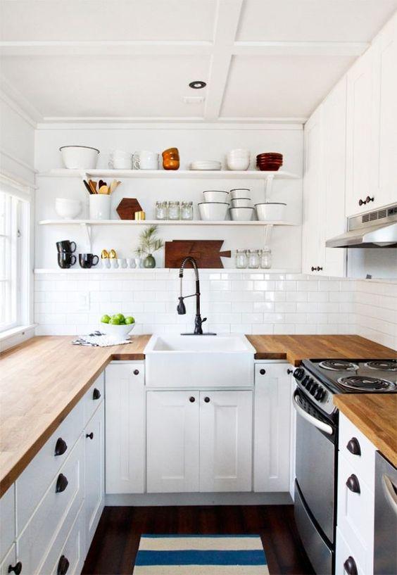 cozinha pequena decorada prateleiras