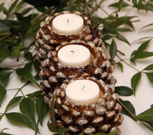 decoraçao com pinhas piorta velas