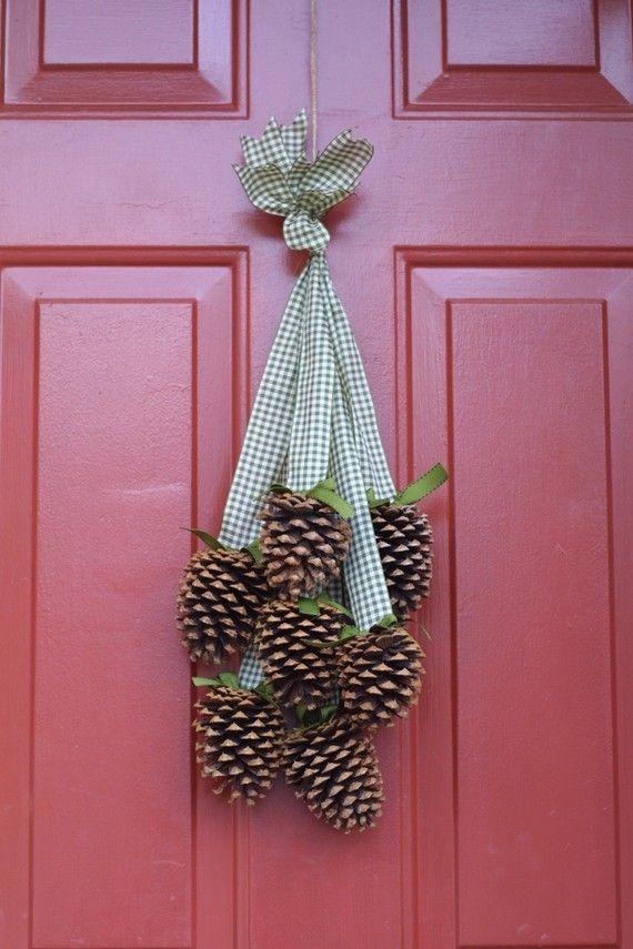 decoraçao com pinhas porta