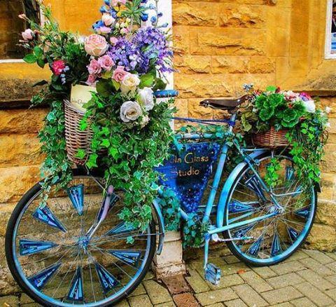 decoraçao de jardim com bicicletas
