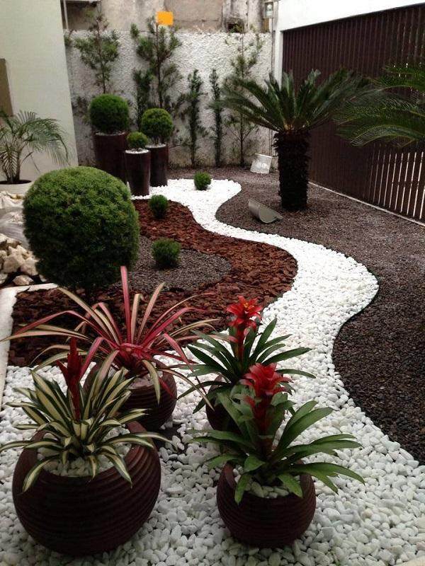 decoraçao jardim pedras