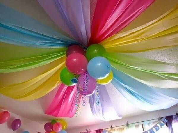 decoracao com baloes dia das criancas teto