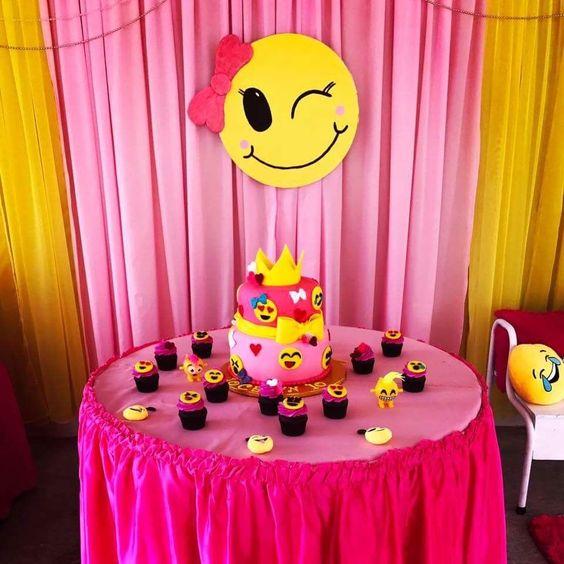 decoracao festa emoji 11