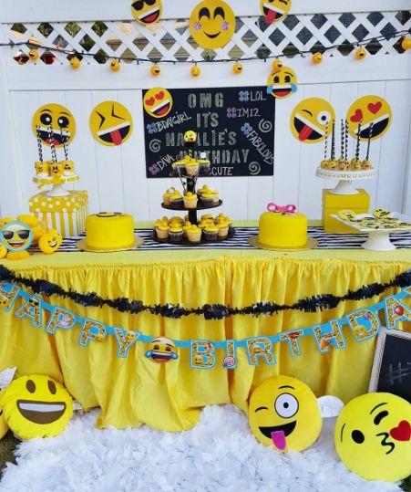 decoracao festa emoji 13