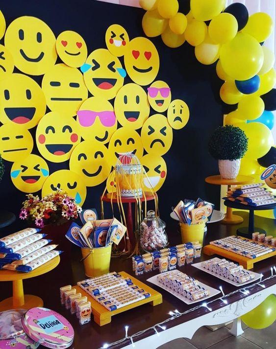 20 Ideias de Decoraç u00e3o de Festa Emoji -> Decoracao De Festa Tema Emoji
