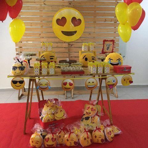 decoracao festa emoji 9