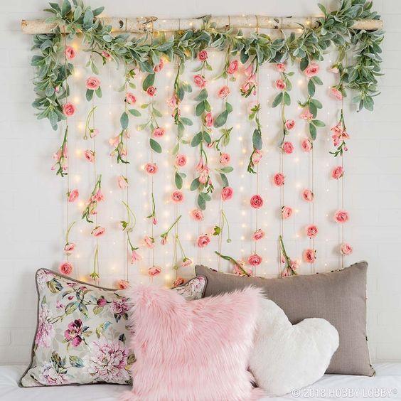 decoracao parede flores quarto feminino