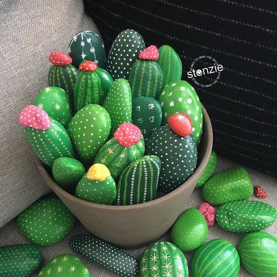 20 ideias criativas decora o festa cactos - Painting rocks for garden what kind of paint ...