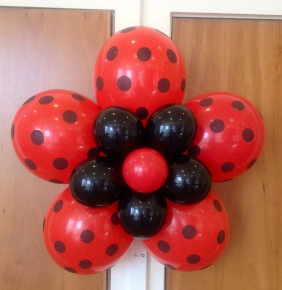 ideias decoracao festa ladybug baloes