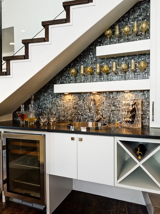 ideias decorar vao escadas bar
