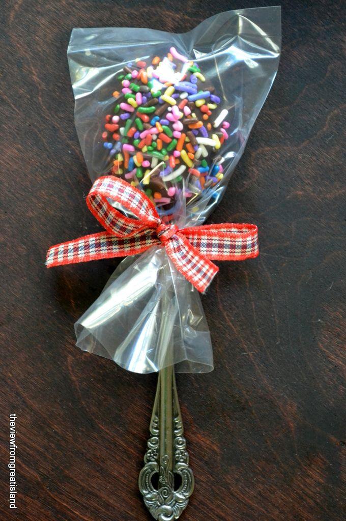 lembrancinha chocolate na colher