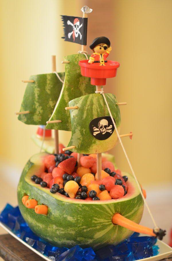 melancia e fruta barco de piratas