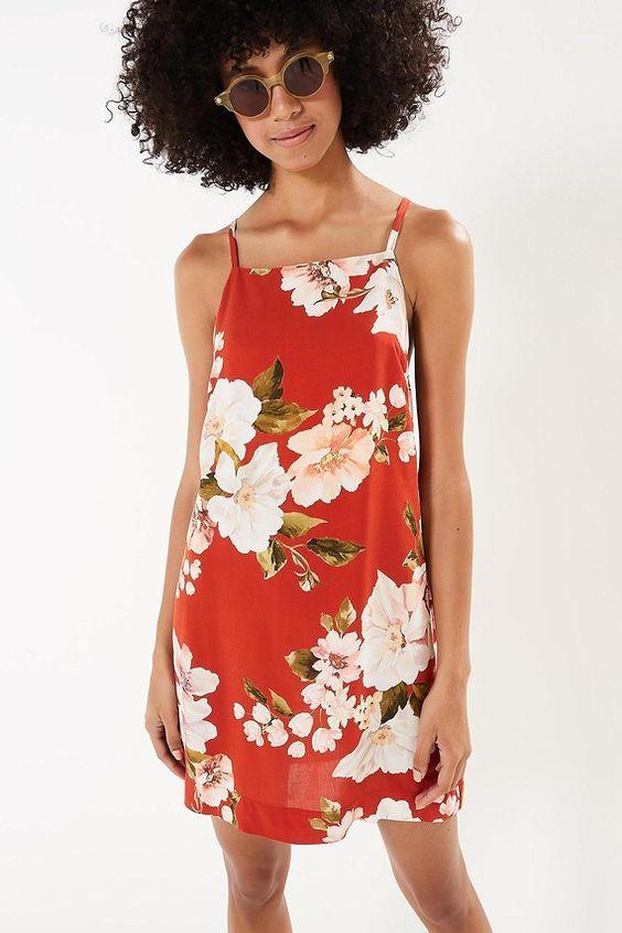 modelo como usar vestido alcinhas festa floral