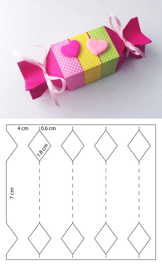 molde caixa papel decorada coracao