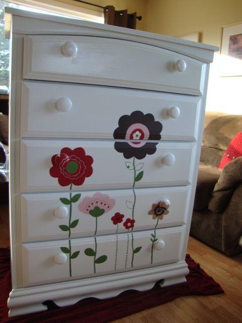 moveis quarto bebe pintados flores