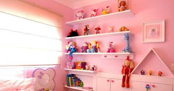 organizar brinquedos prateleiras
