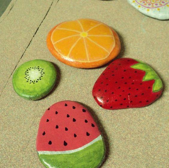 pedras pintadas comida frutas