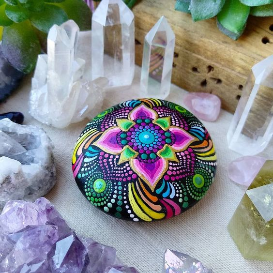 pedras pintadas mandala