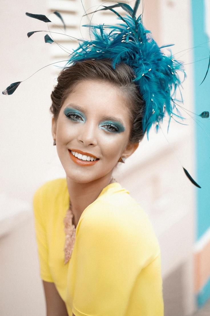 penteado de carnaval com plumas