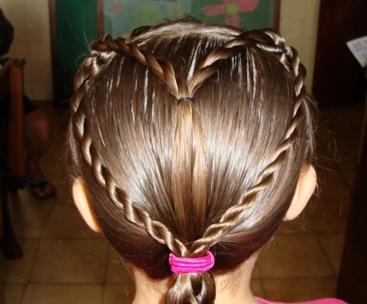 penteado menina trança coração
