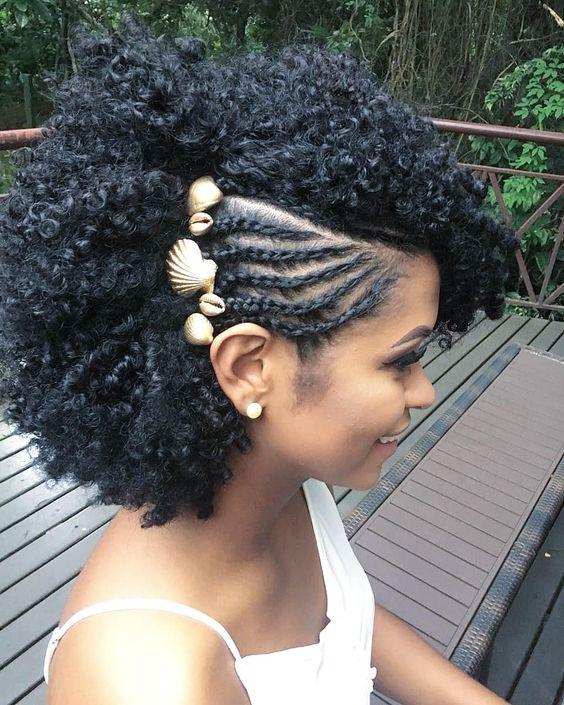 penteado simples cabelo cacheado trancas