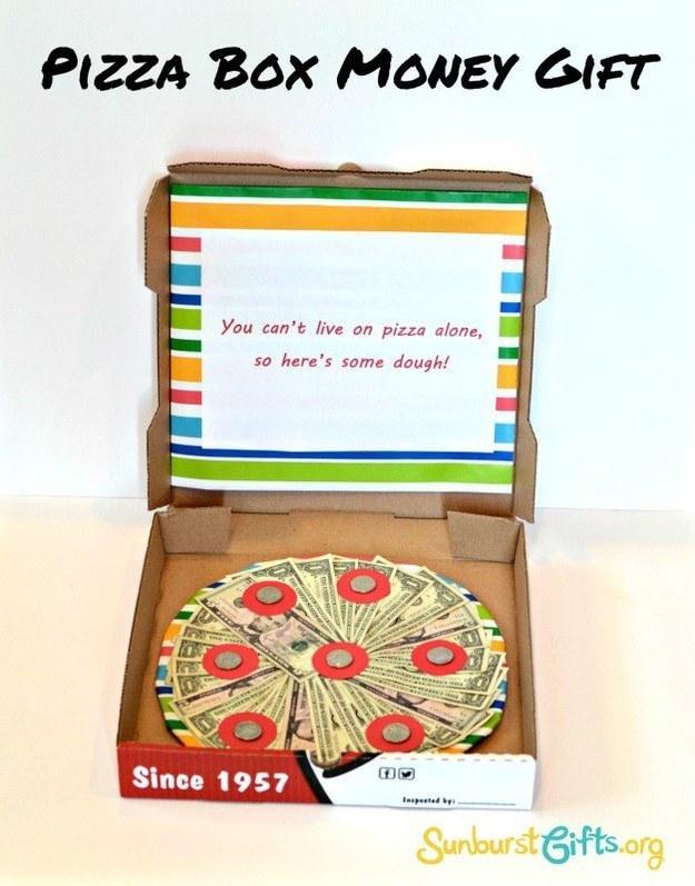 pizza com dinheiro