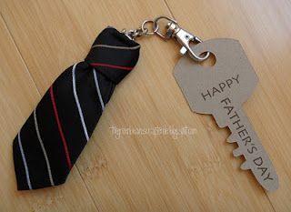 presente dia pais chaveiro gravata