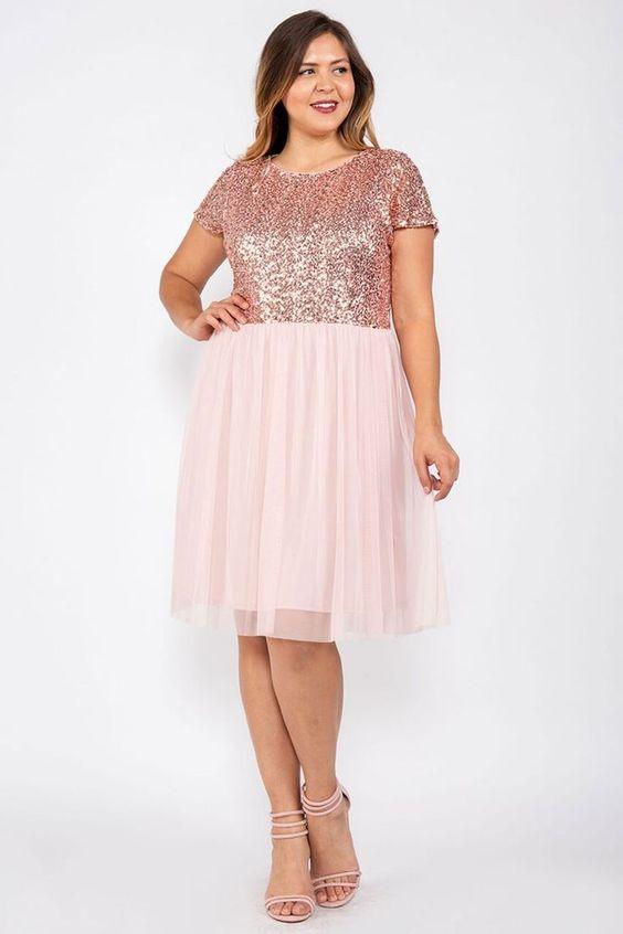 roupa plus size reveillon rosa