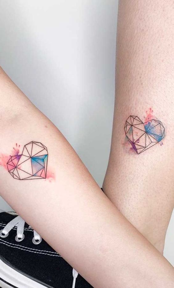 tatuagem aquarela pequena simples