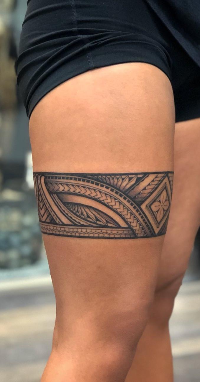 tatuagem feminina tribal delicada pernas