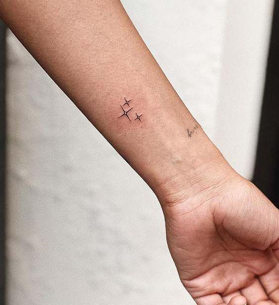 tatuagens de estrela simples 3