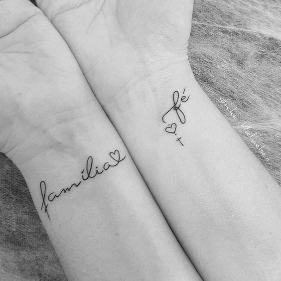 tatuagens escritas pulso
