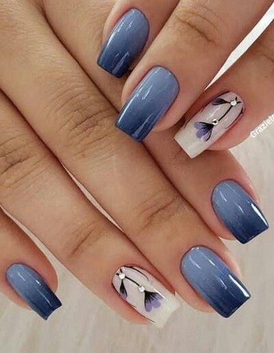 unhas decoradas azul degrade flor