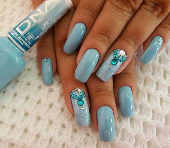 unhas decoradas azul tiffany brilho