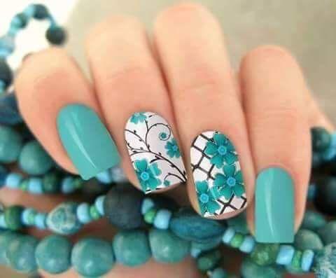 unhas decoradas azul turquesa