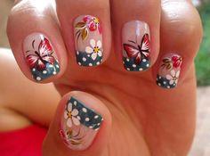 unhas decoradas com flores 6