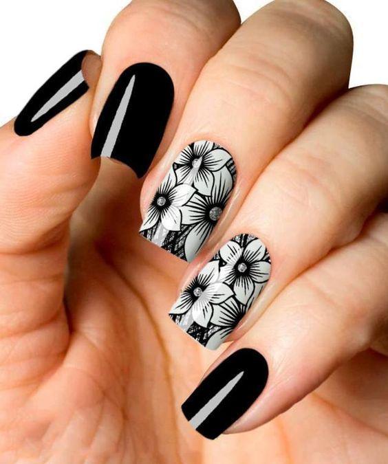 unhas decoradas pretas branco flores
