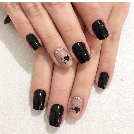 unhas decoradas pretas curtas inspiracao
